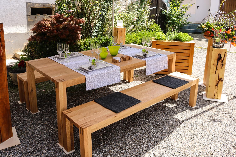 Sitzbank zum Tisch